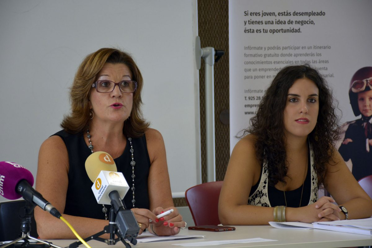 El Ayuntamiento participa en la inauguración del Plan Emprende Joven en el que 23 jóvenes se formarán para el emprendimiento