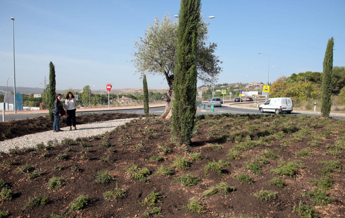 http://www.toledo.es/wp-content/uploads/2016/10/01_rotonda_chuletero-1200x757.jpg. El Ayuntamiento acomete el adecentamiento integral en la rotonda situada junto al Restaurante El Chuletero
