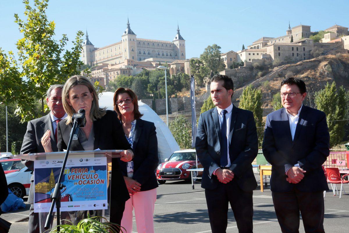 http://www.toledo.es/wp-content/uploads/2016/10/02_feria_del_coche_ocasion_toledo-1200x800.jpg. La alcaldesa de Toledo participa en la inauguración de la Feria del Vehículo de Ocasión, que cumple su undécima edición