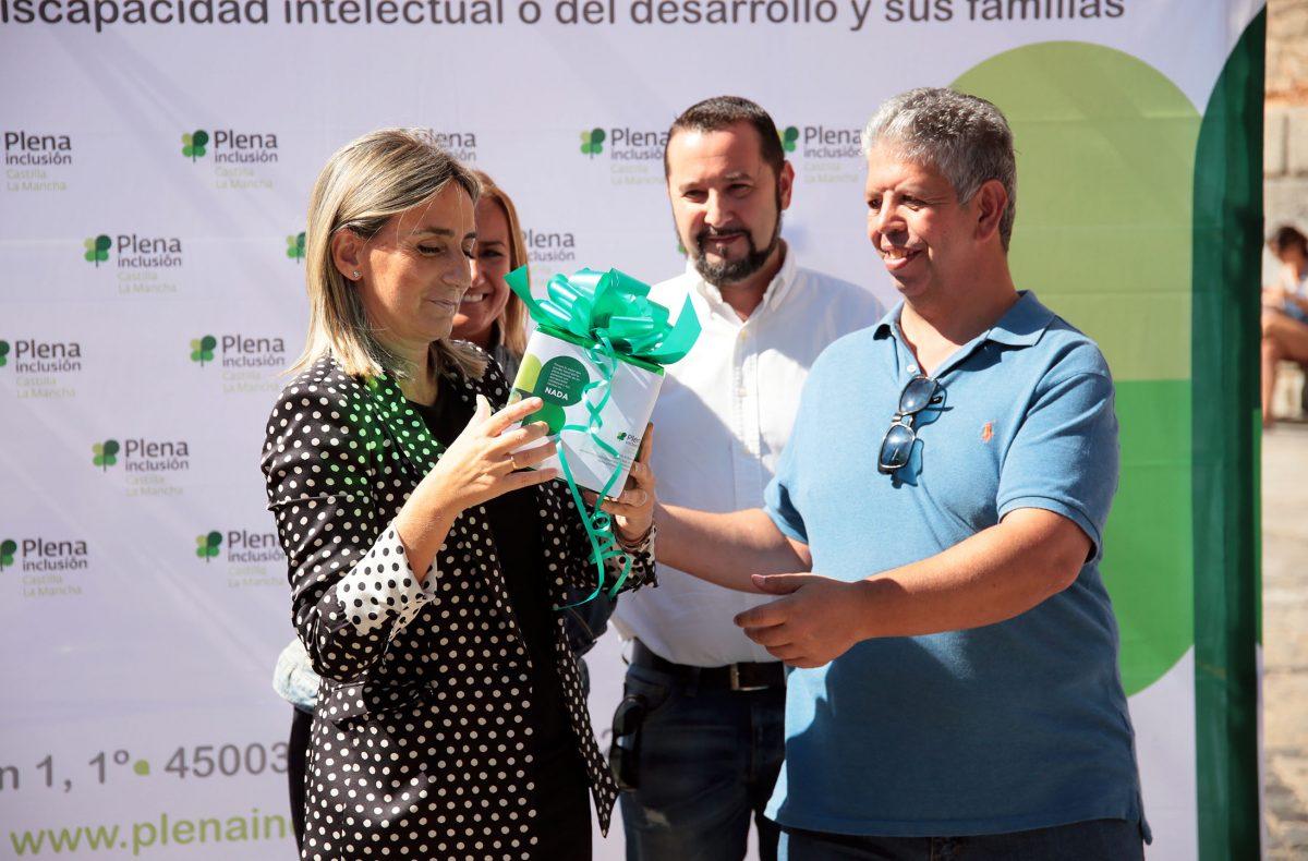 La alcaldesa muestra su apoyo y el del Ayuntamiento a las personas con discapacidad intelectual en el Día de la Plena Inclusión