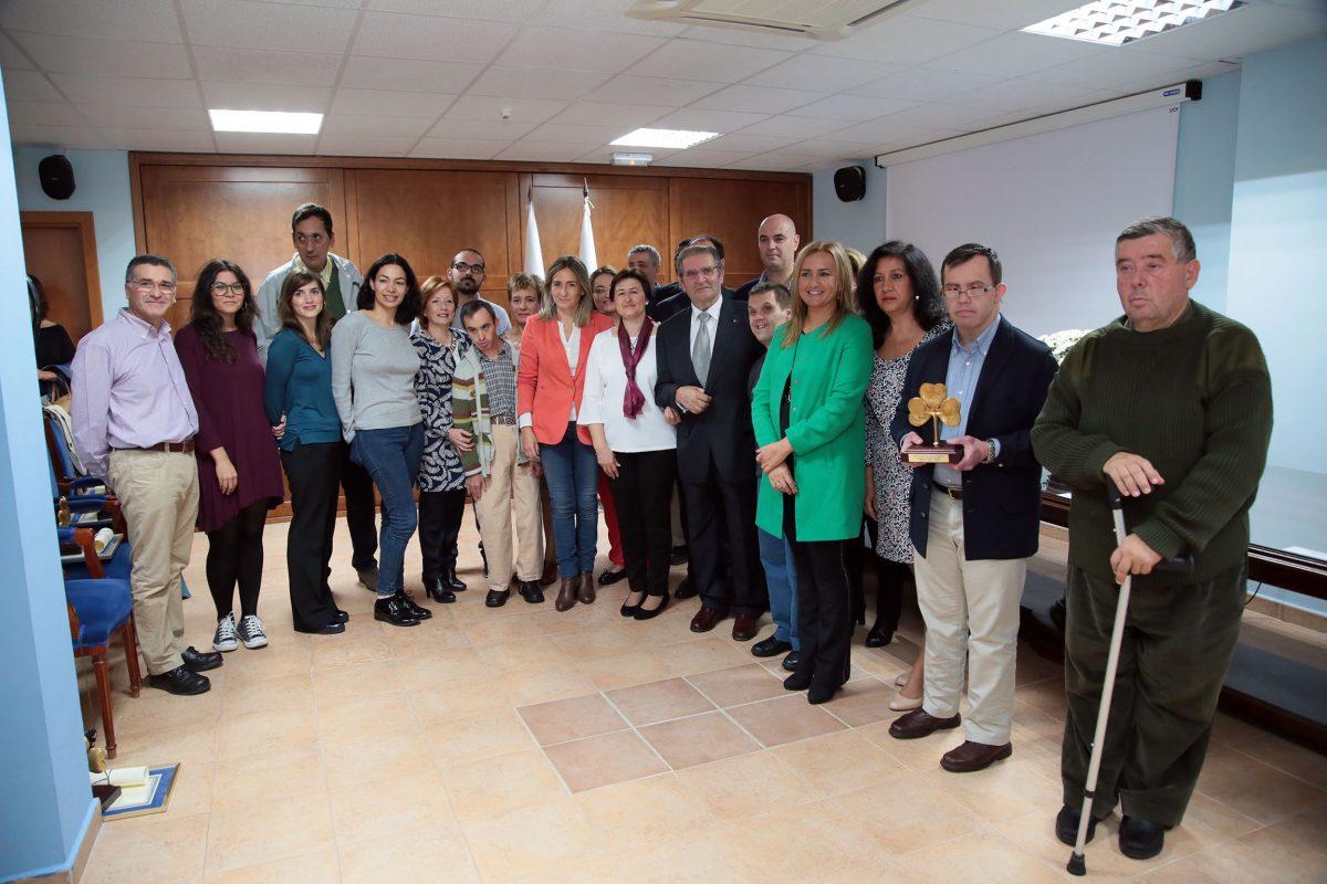 """La alcaldesa afirma en el Día de APANAS que trabajará por una ciudad """"más inclusiva, más abierta y más solidaria"""""""