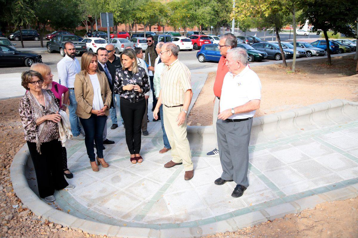 http://www.toledo.es/wp-content/uploads/2016/10/05_rampa_centro_mayores_poligono-1200x800.jpg. La alcaldesa inaugura la nueva rampa de acceso a la cafetería del Centro de Mayores de Santa María de Benquerencia