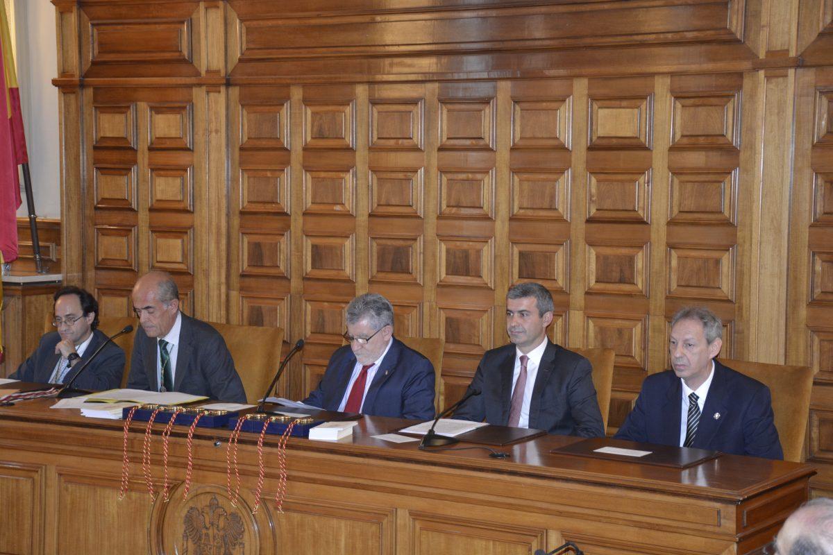 El Ayuntamiento incrementará su relación con la Real Academia de Bellas Artes por el 30º aniversario como Ciudad Patrimonio