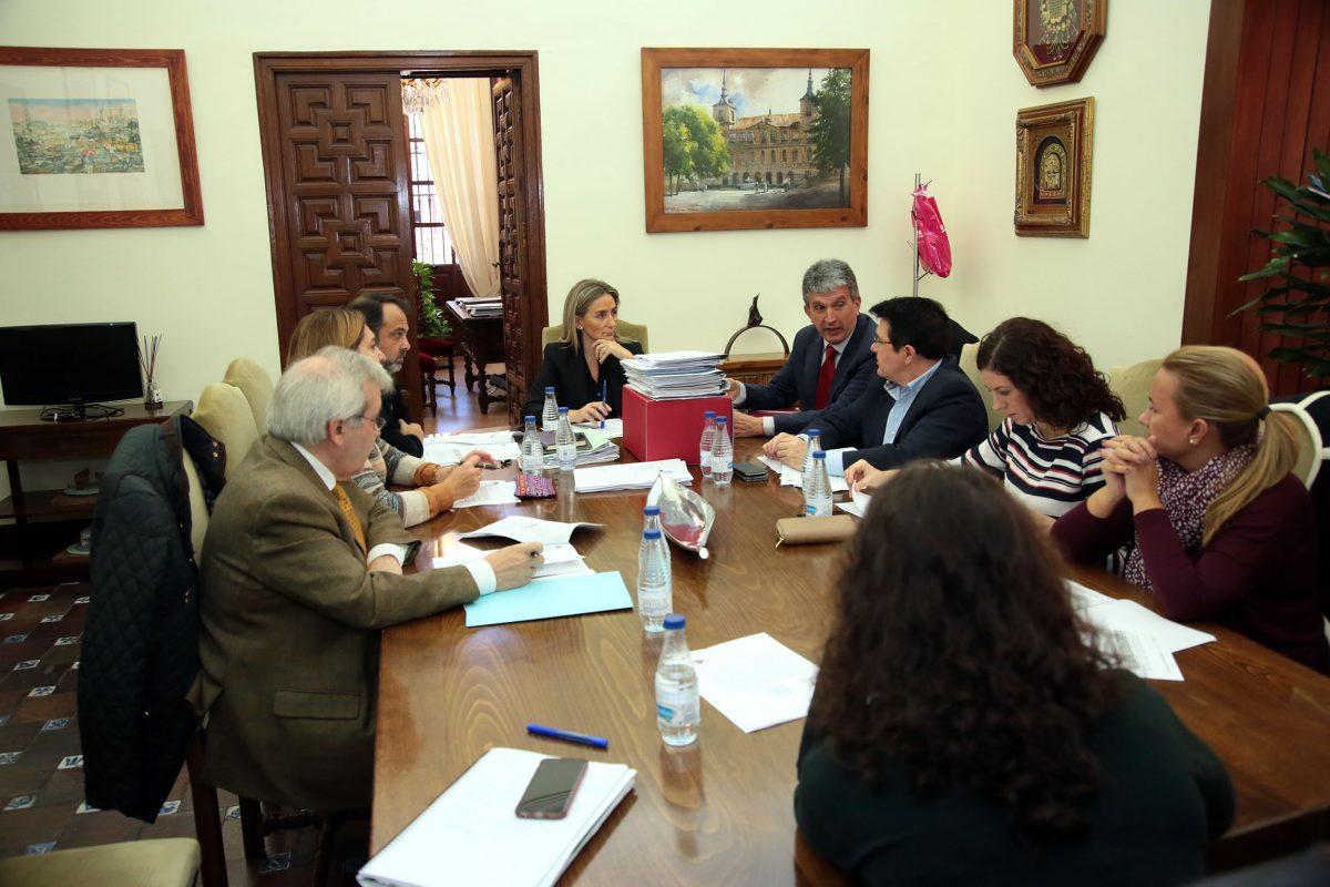 El Ayuntamiento aprueba el programa y presupuesto para la Fiestas de Navidad, Año Nuevo y Reyes