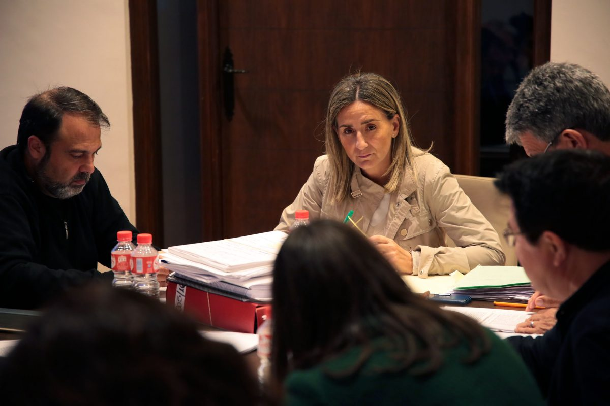 Aprobado un gasto de 13,7 millones de euros para servicio de  conserjería y limpieza en los Colegios Públicos durante los próximos tres años.