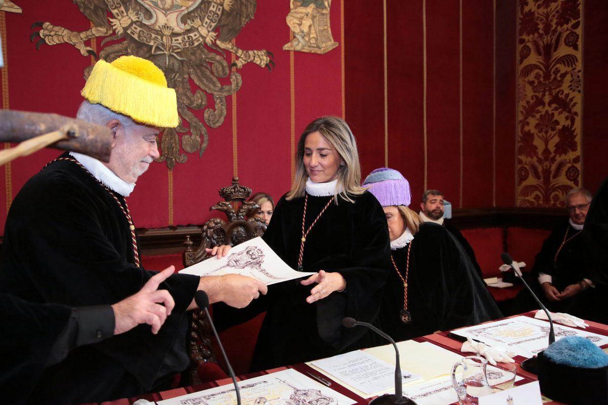"""La alcaldesa reafirma """"con orgullo"""" la vinculación y el compromiso del Ayuntamiento con la Cofradía de Investigadores"""