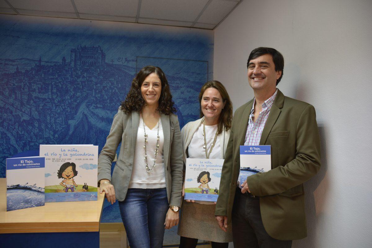 Consistorio distribuirá a los centros educativos de la ciudad dos nuevos libros sobre el conocimiento, respeto y cuidado del Tajo