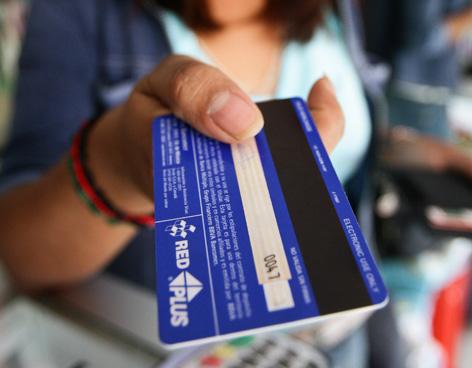 Ya puede pagar sus recibos con tarjeta de crédito o débito