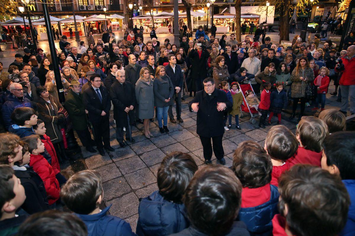 """La alcaldesa anima a la participación de vecinos y visitantes en los actos navideños de Toledo, """"la Ciudad de los Belenes"""""""