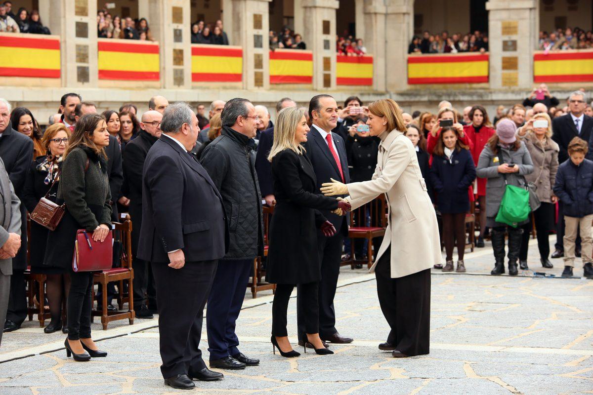 La alcaldesa participa en la entrega de condecoraciones enmarcada en la celebración del Día de la Inmaculada