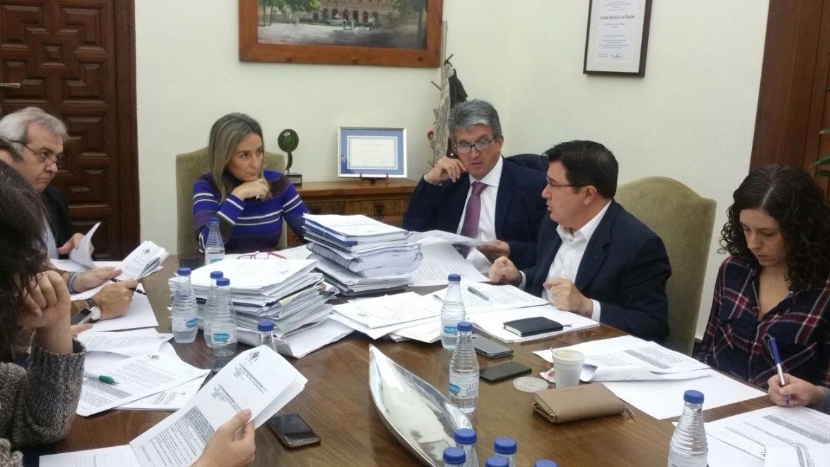 El Ayuntamiento clasifica las ofertas para la contratación de la asistencia y apoyo a la Oficina Municipal de Promoción