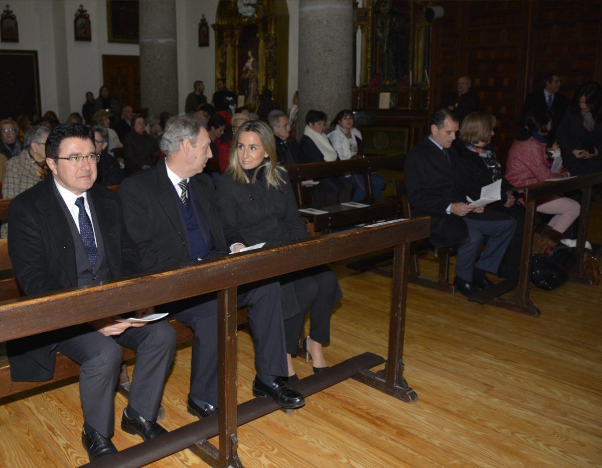 La alcaldesa y miembros de la Corporación local asisten a la solemne misa en honor a Santa Leocadia, patrona de Toledo