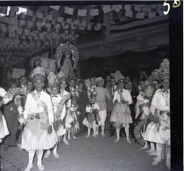 050 - MÉNTRIDA - Nuestra Señora de la Natividad y danzantes