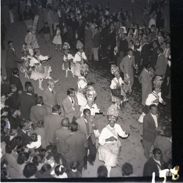 158 - MÉNTRIDA - Danzantes y alcalde de danza