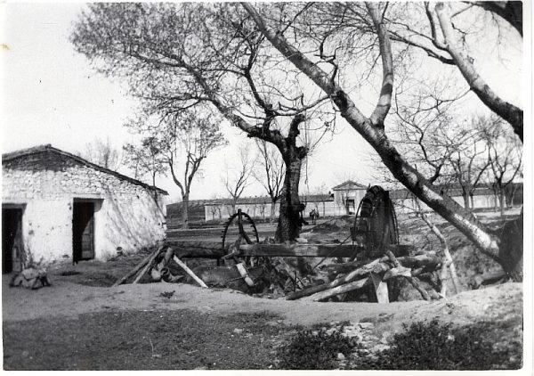 1900_Fachada exterior del cementerio de la Vega Baja
