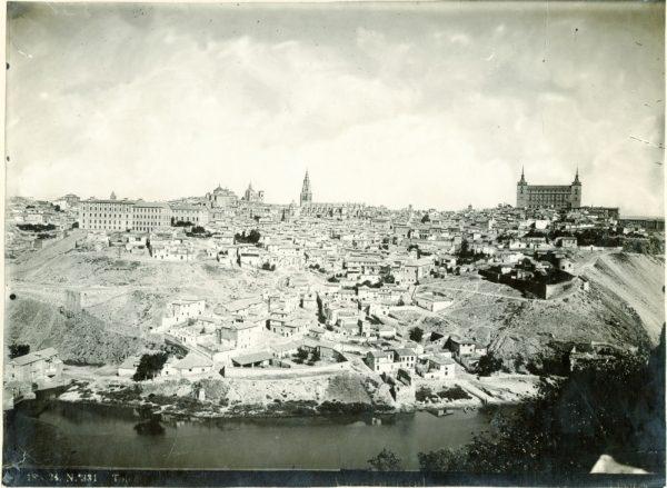 001 - Vista de Toledo desde la ermita del Valle