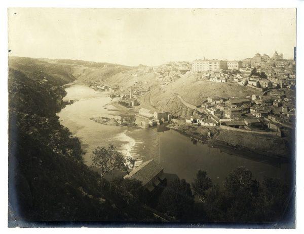 003 - Vista de Toledo desde la ermita del Valle