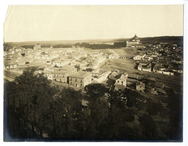 004 - Vista del barrio de las Covachuelas y del hospital Tavera