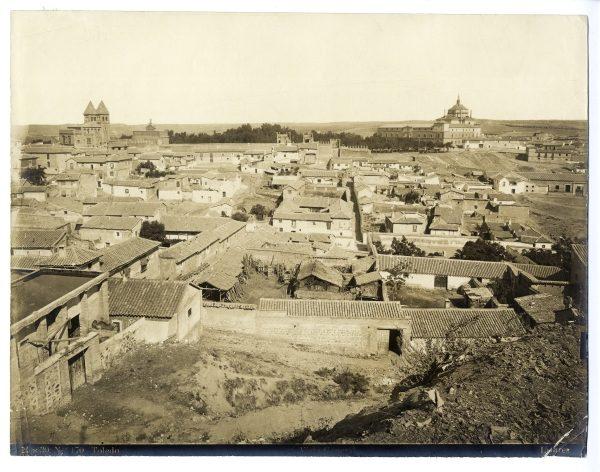 006 - Vista del barrio de las Covachuelas y del hospital Tavera