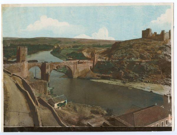 021 - Vista del puente de Alcántara y del castillo de San Servando