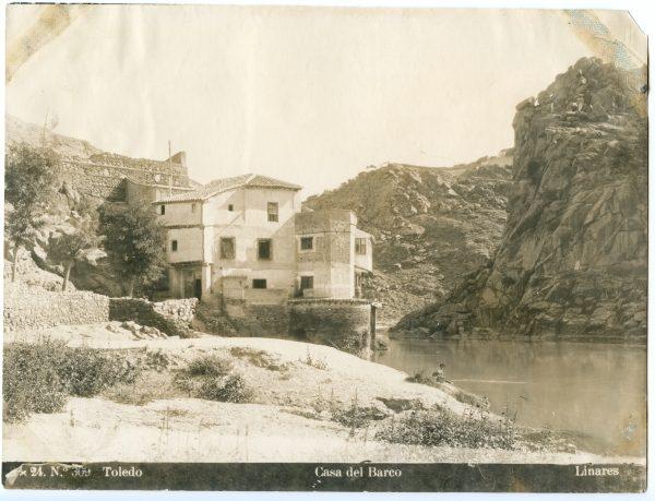 023 - Vista del río Tajo a su paso frente a la Casa del Diamantista