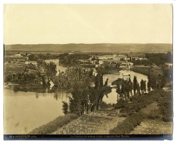 030 - Vista de la Fábrica de Armas desde las inmediaciones del puente de San Martín
