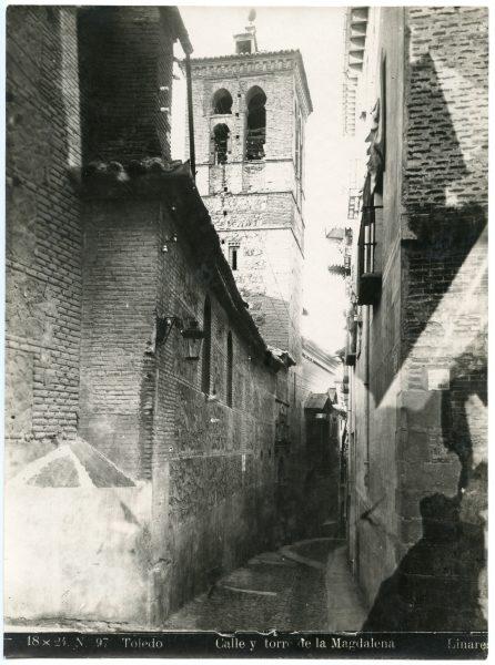 060 - Calle y torre de la Magdalena