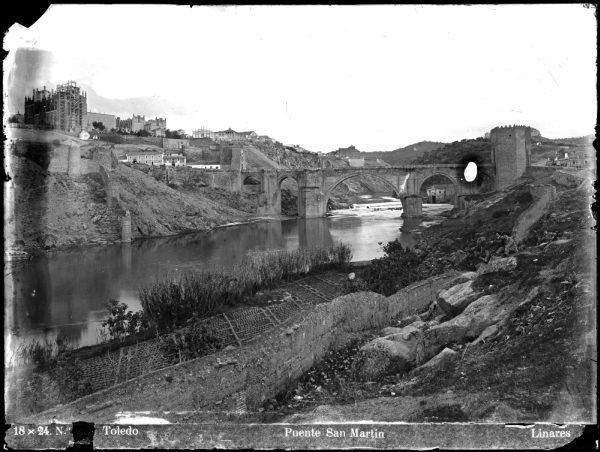 131 - Vista del puente de San Martín y del río Tajo