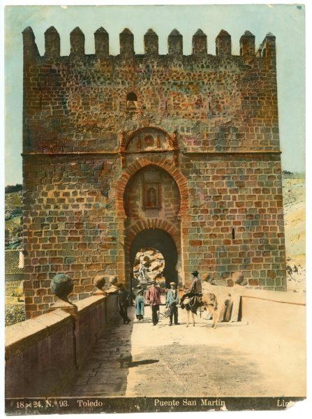 142 - Vista del torreón exterior del puente de San Martín