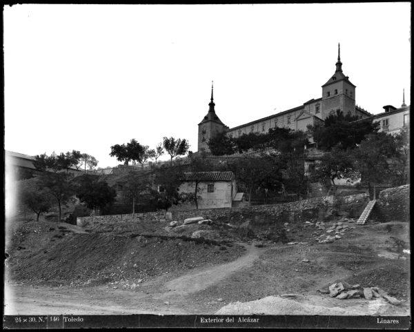 163 - Exterior del Alcázar
