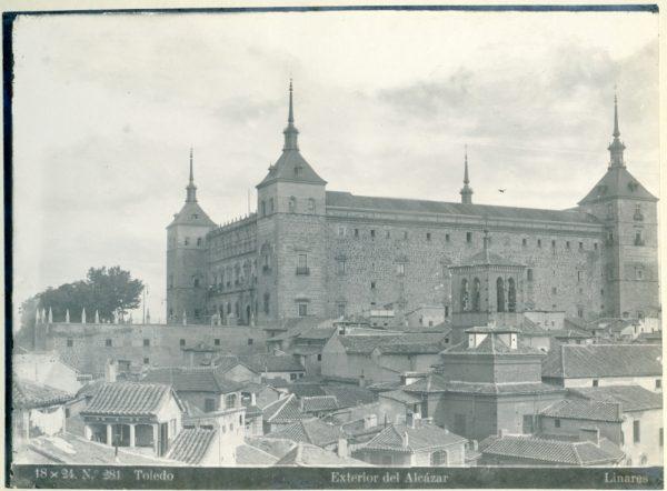 164 - Exterior del Alcázar