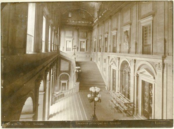 168 - Escalera principal del Alcázar