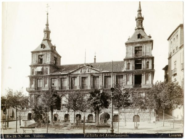 193 - Fachada de las casas consistoriales