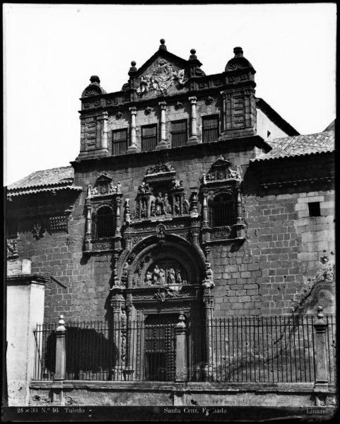196 - Fachada del Hospital de Santa Cruz