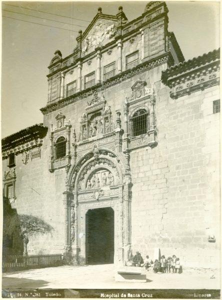 200 - Fachada del Hospital de Santa Cruz