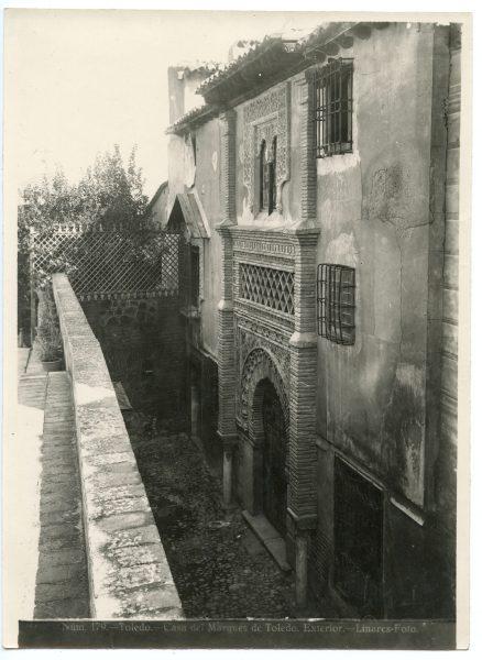 208 - Exterior de la Casa del Marqués de Toledo - Palacio de Benacazón