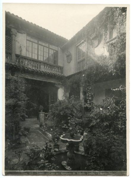 215 - Jardín de la Casa del Marqués de Toledo - Palacio de Benacazón