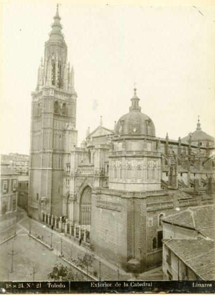 224 - Fachada principal de la Catedral de Toledo