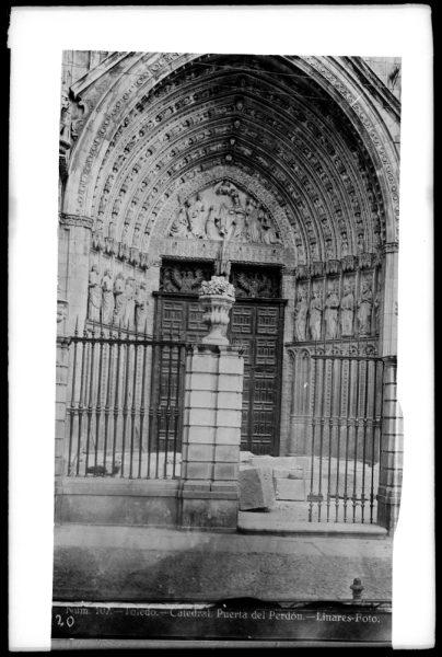 227 - Puerta del Perdón