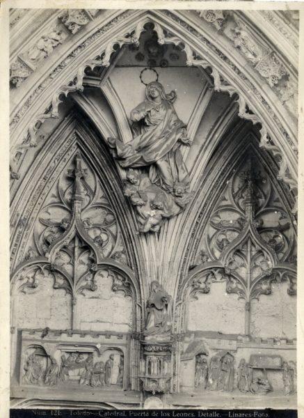 230 - Detalle de la puerta de los Leones