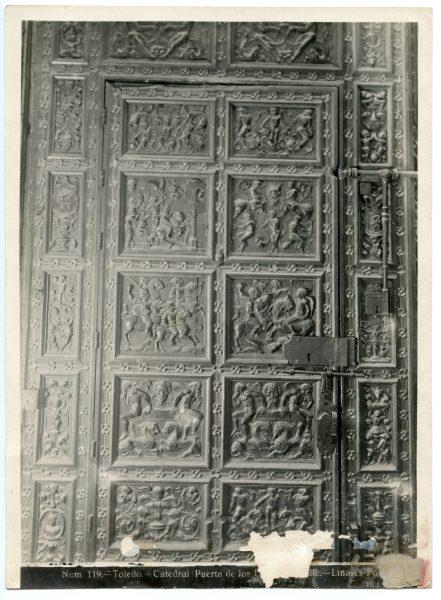 232 - Detalle de la puerta de los Leones