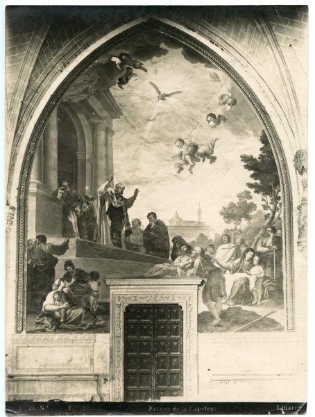 238 - Puerta de acceso a la capilla de San Pedro en el claustro de la Catedral
