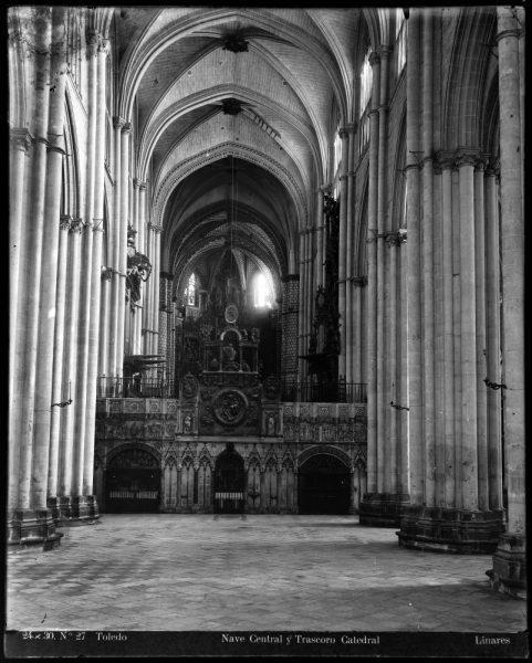 248 - Nave central y trascoro de la Catedral