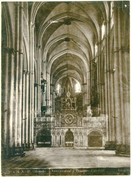 257 - Nave central y trascoro de la Catedral
