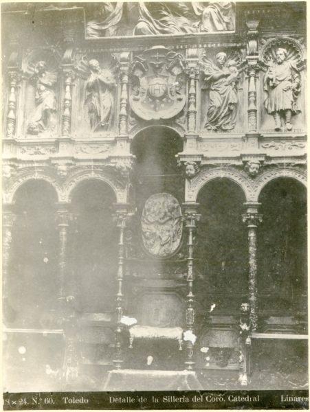 263 - Silla del deán en la sillería baja del coro