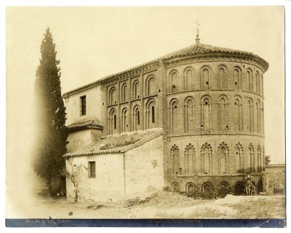 301 - Exterior de la ermita del Cristo de la Vega