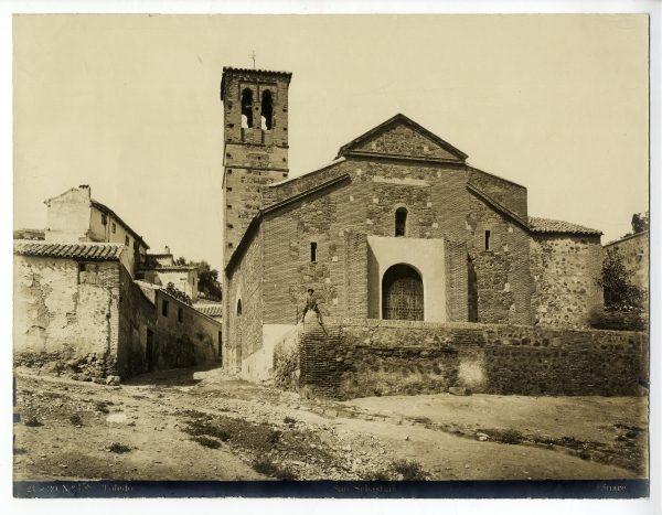 307 - Exterior de la iglesia de San Sebastián