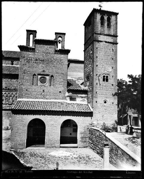 308 - Exterior de la iglesia de Santiago del Arrabal