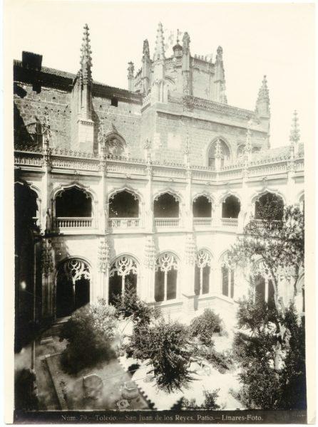 322 - Patio del claustro de San Juan de los Reyes