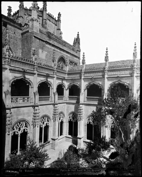 323 - Patio del claustro de San Juan de los Reyes